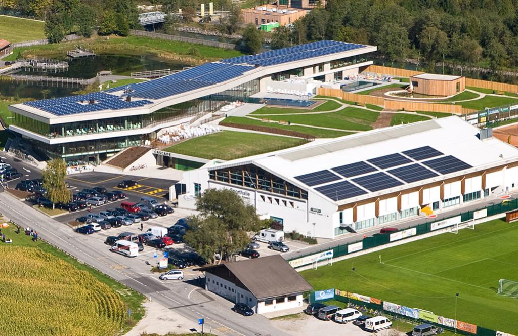 Solarstromanlage-Sporthalle_1